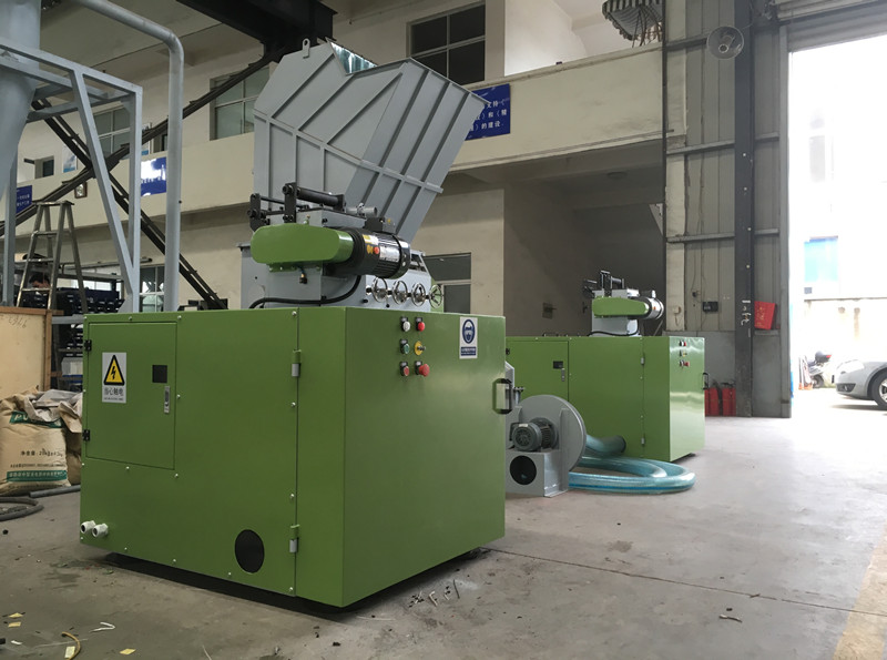 Automatic Traction Crusher Machine
